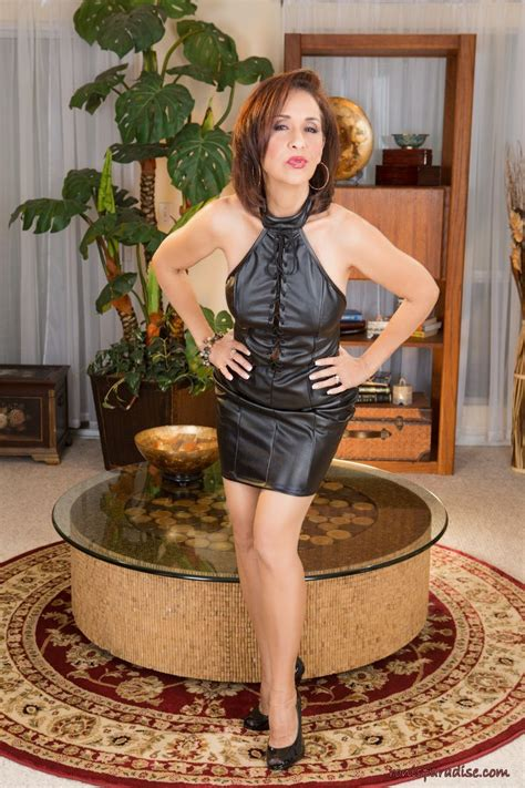 1000 images about sarah susanka on pinterest big houses milf in tight leather skirts hot girls wallpaper