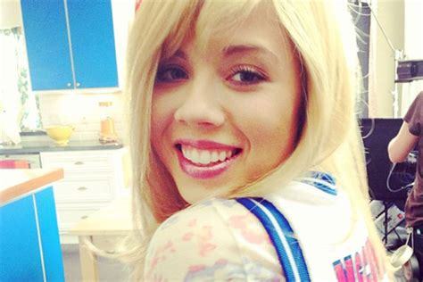 jennette mccurdy clowns pistons andre drummond racy pics jennette mccurdy clowns pistons andre drummond racy pics