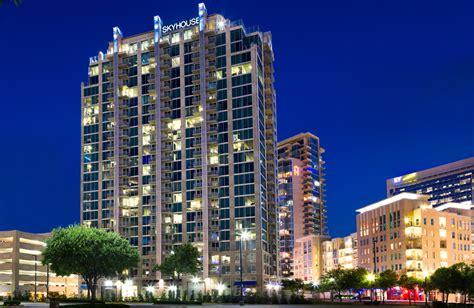 Downtown Dallas Apartments Victory Park Victory Park Apartments Skyhouse Dallas Dallas