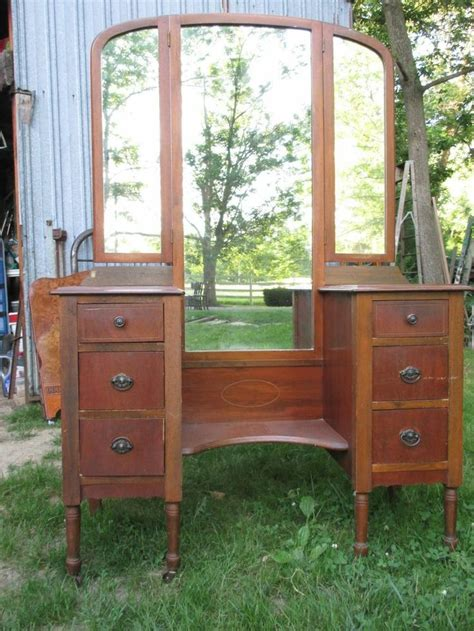 Antique Tri Fold Mirror Vanity by Vintage Vanity Dresser Tri Fold Mirrors Would Be Great To