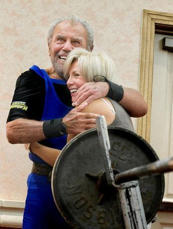 13 year old bench press record 91 year old sy perlis breaks bench pressing record video