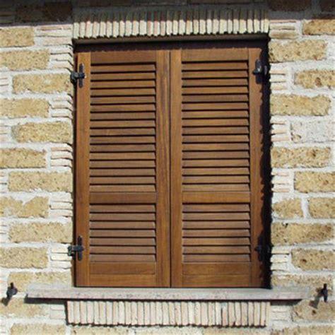 cerniere per persiane in legno persiana in legno doppia spiovenza pm serramenti