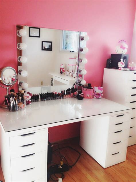 Handmade Makeup Vanity - diy makeup vanity diy home decor diy