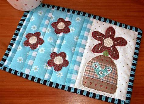 mug rug patterns flower vase mug rug by the patchsmith craftsy