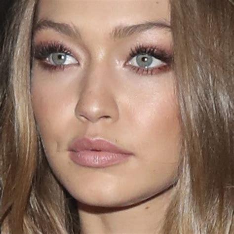 gigi hadid makeup gigi hadid makeup black eyeshadow brown eyeshadow nude