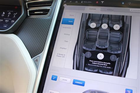 Tesla Model X Update Tesla Releases Model X V7 1 Update For Better Falcon Wing Door And Seat Controls