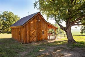 small wooden barns stable style small barns