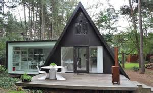 a frame house a frame summer cabin gets glass addition modern house designs
