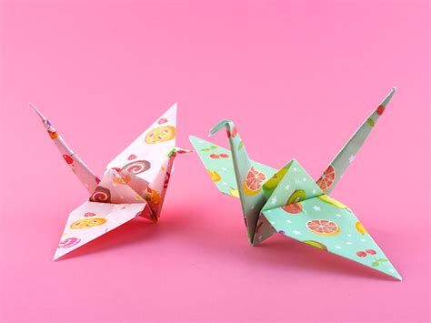 Folded Paper Cranes - omiyage blogs make origami cranes