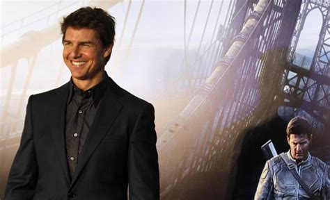 tom cruise film in space tom cruise believes in aliens wants to go to outer space