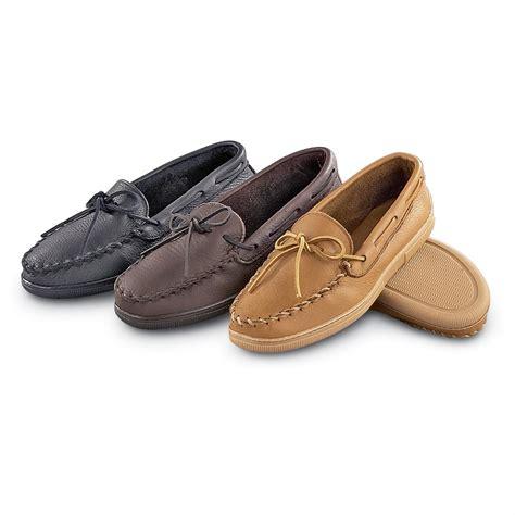 moosehide slippers s minnetonka moccasins moosehide moc 95311 slippers
