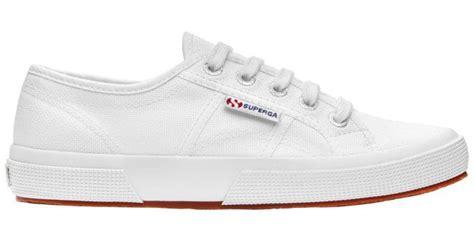 Original Superga 2750 Macramew Sepatu Unisex Shoes Blue Navy the 11 most influential sneakers in the world di moda