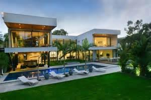 Luxury Homes Cairns Cairns Beaches Luxury Beachfront House