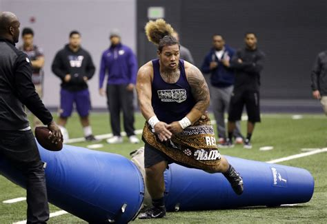 Legs Up Bench Press Browns Pick Big Washington Defensive Tackle Danny Shelton