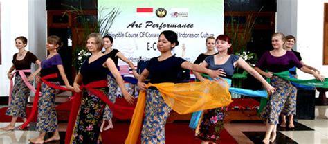 Bahasa Inggris Untuk Mipa Prof Dr Sri Juari Santosa M Eng jumlah mahasiswa asing kuliah di unnes darmasiswa dan see conic program program studi