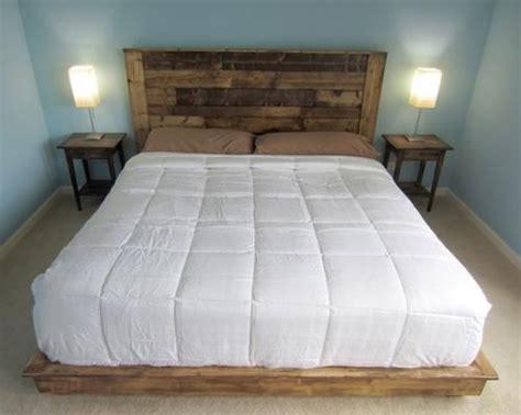 Pallet Platform Bed Testate Del Letto Economiche In Pallet Di Legno Bcasa