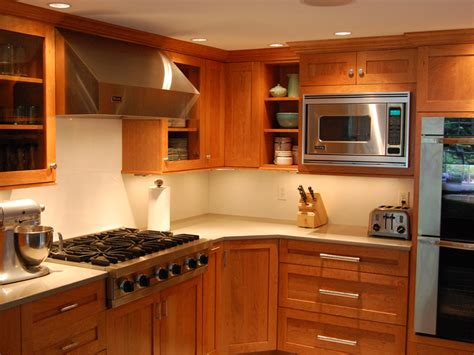 Paint Colors For Kitchen With Oak Cabinets by Cherry Cabinets Quartz Countertops 171 Maloney Contracting