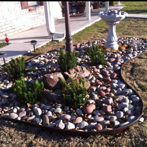 Simple Rock Garden A Simple Rock Garden Can Perk Up Any Front Yard This One Has An Antique L Post And Birdbath