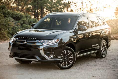 Mitsubishi Outlander In Hybrid 2020 by Take 2018 Mitsubishi Outlander Phev Automobile