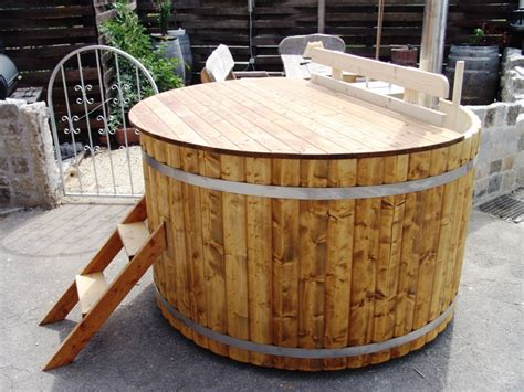 wood hot tub wooden cover for hot tub badetonnen und saunen aus holz