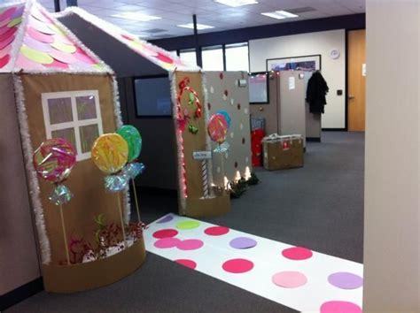 giner bread cubicle christmas decorations gingerbread house decorations office search gingerbread house display