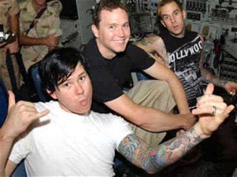 tom delonge tattoos tom delonge tattoos pics photos pictures of his tattoos