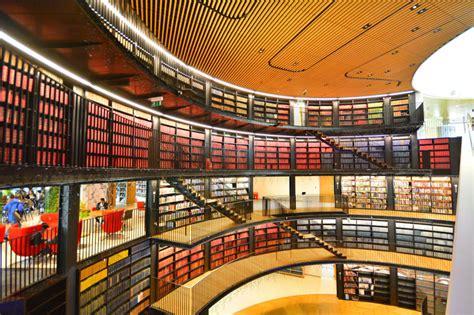 desain interior perpustakaan sekolah 10 perpustakaan dengan desain interior mengagumkan