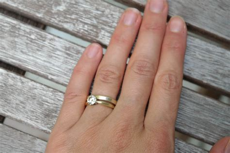 why i don t wear my engagement ring huffpost