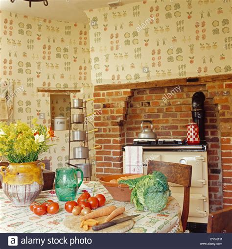 land speisesaal traditional settings wallpaper stockfotos traditional