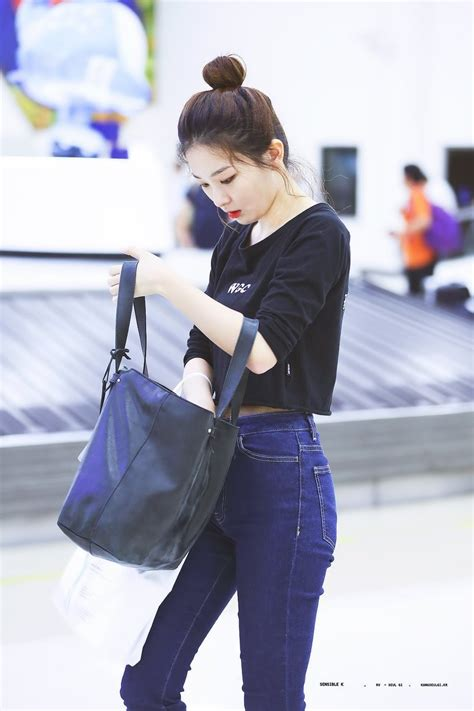 A Fashionable by K Pop Idol With Fabulous Airport Fashion Velvet
