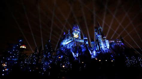 universal studios hollywood light show universal orlando resort new harry potter nighttime