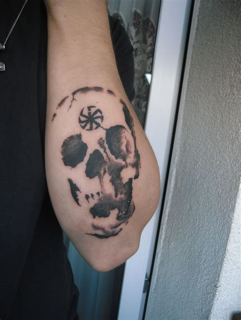 slavic tattoos skull slavic tattoo by krzysioniejadek d5iaia8