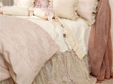 piumoni matrimoniali eleganti piumoni matrimoniali per un letto shabby chic 25 modelli