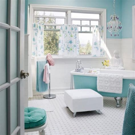 Blue And White Bathroom Decorating Ideas by Best 25 Sea Green Bathrooms Ideas On Blue
