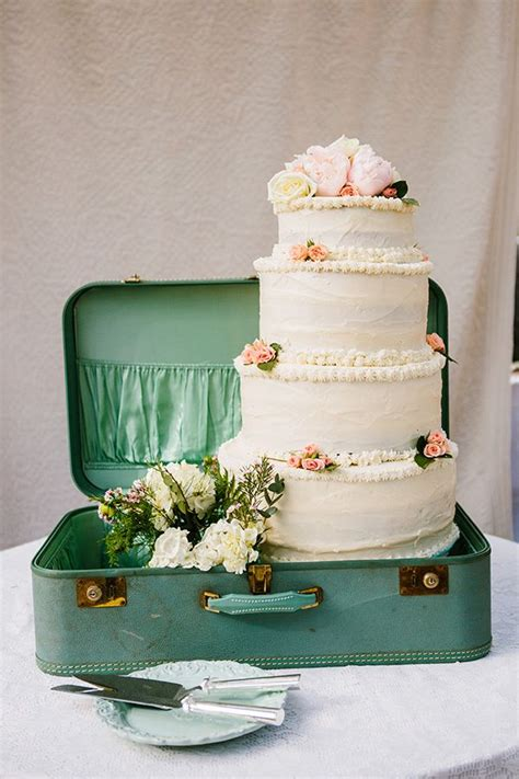 adorable vintage suitcases wedding ideas deer pearl