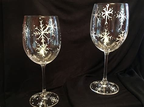 paint nite wine glasses paint nite snowflakes wine glasses