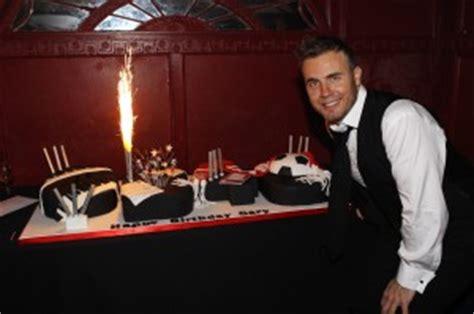 gary barlows  birthday cake cakes  robin