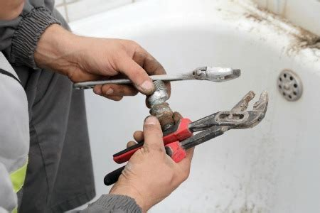 how to in bathtub plumbing how to fix a leaky tub drain doityourself