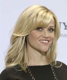 face framing layers medium wavy hair haircut with face framing layers medium length haircuts