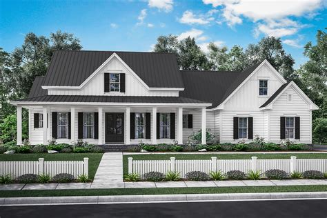 traditional farmhouse floor plans 3 bedrm 2282 sq ft traditional house plan 142 1180
