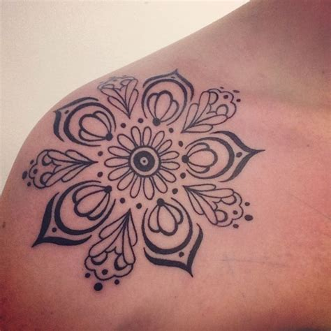 mandala love tattoo i love that there are no connecting or border lines the