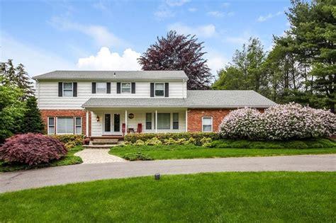 houses for sale in woodbridge ct 14 soundview woodbridge ct 06525 mls n10223221