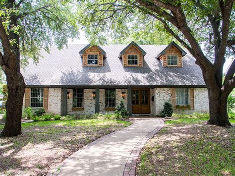 fixer upper houses becoming popular vacation rentals the german schmear house vrbo