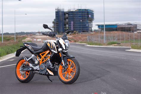Ktm Bikes Australia 2016 Ktm 390 Duke Spin Review Bike Review