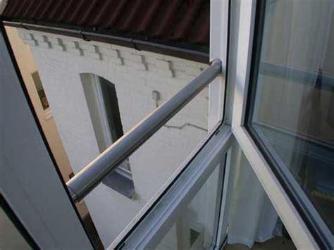 absturzsicherung treppengeländer absturzsicherung aus satiniertem glas und edelstahl