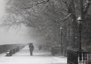 New york city sees first snowfall of winter 2013 photos new york