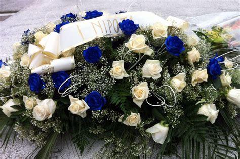 corone di fiori per funerali cuscini floreali per funerali casamia idea di immagine