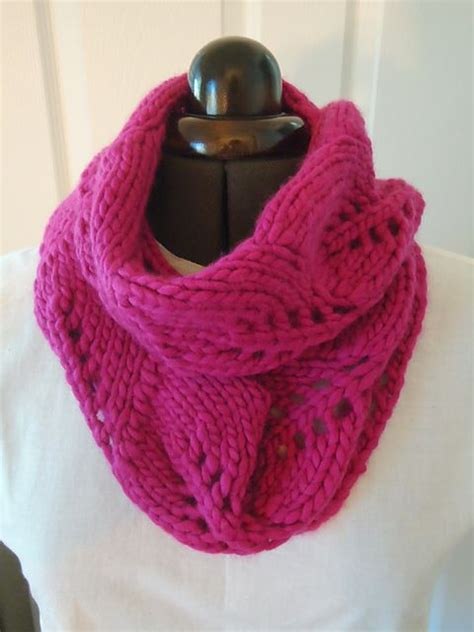 free cowl knitting patterns with bulky yarn vite cowl is the one skein project with a