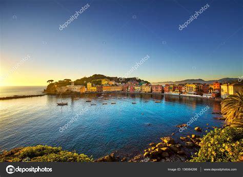 porto di mare sestri levante spiaggia e porto di mare baia silenzio