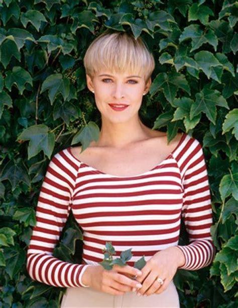 jossie bissett pixie hair cut 32 best josie bissett images on pinterest hairstyles